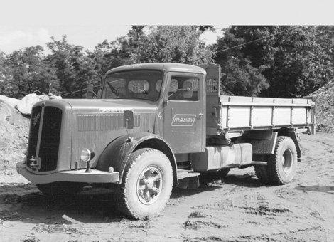 le vieux camion dans vehicules sujet vieux camion